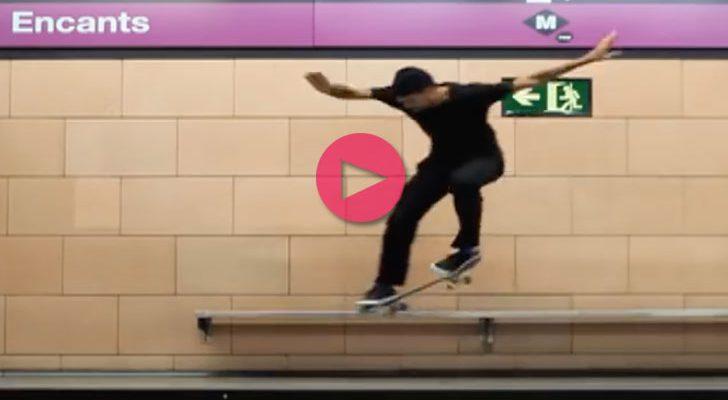 Alex Massotti ripando en el metro de Barcelona para Krux