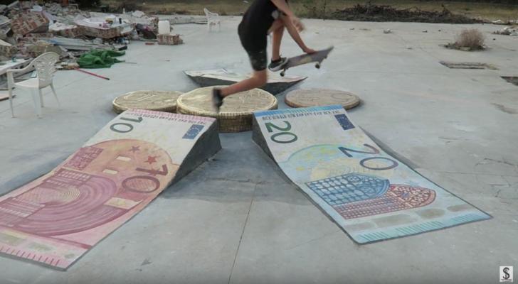 Dinero DIY. Un homenaje al lujo y la pasta gansa