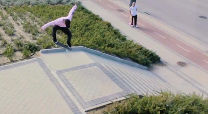 Un clip dice que el skater madrileño Sebas García estrena tablas