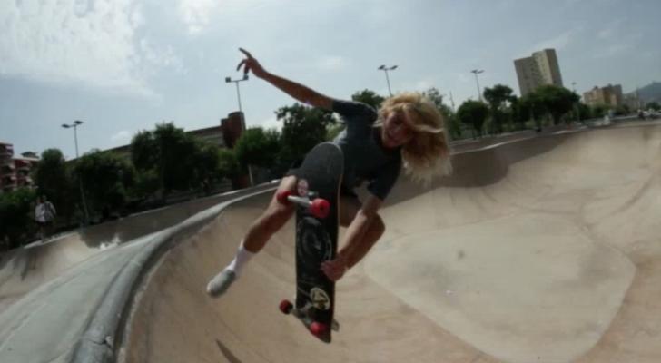 Skate femenino en un nuevo clip de Así Planchaba