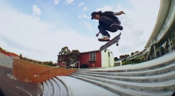 Almost A Minute EP 12 recupera este footage de Lewis Marnell