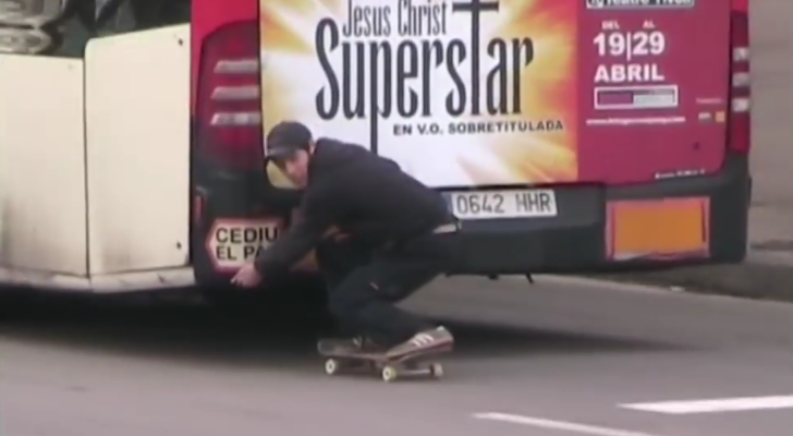 AMX, un vídeo de E. Paterna desde la plaza de Sants