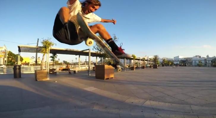 Un clip de skate, surf y yoga con Ignacio Morata y su hermano