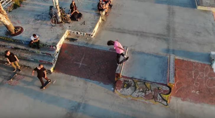 Carlos Neira a vista de pájaro en el nuevo clip de Farol