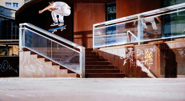 Clip del paso por Zaragoza de Skatedeluxe y adidas Skateboarding