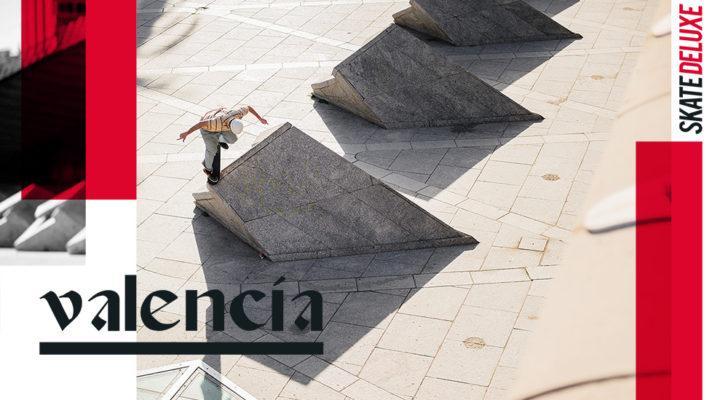 Catena ripando Valencia con sus compañeros de Skatedeluxe