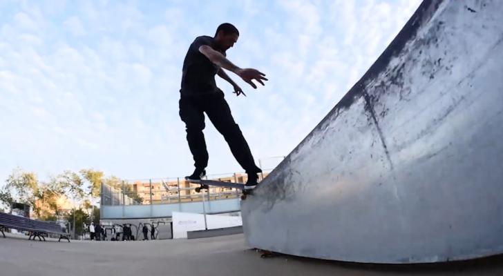 Alex Massoti ripa BCN en un clip de 3rd Floor