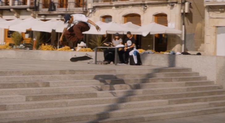 Un clip de Farol da la bienvenida a Adriel  Parmisano