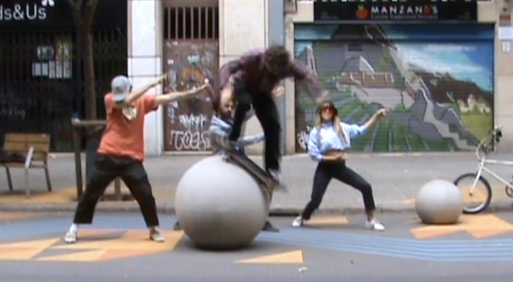 Unfollowers patinado en su nuevo videoclip